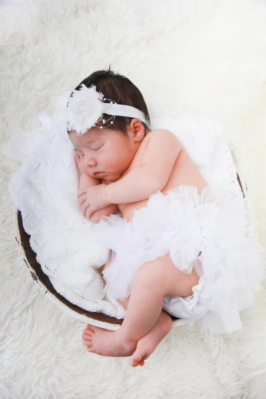 Farah's Newborn Portraits_161