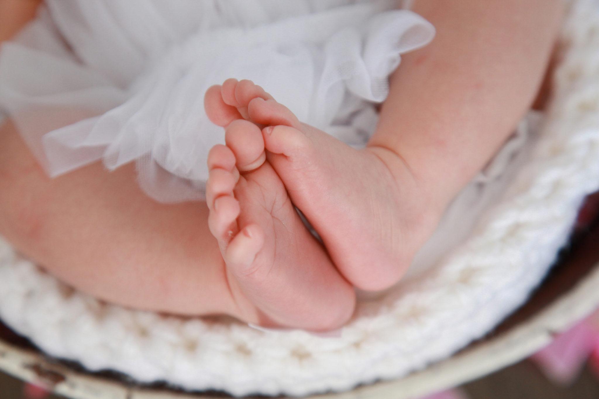 Farah's Newborn Portraits_191